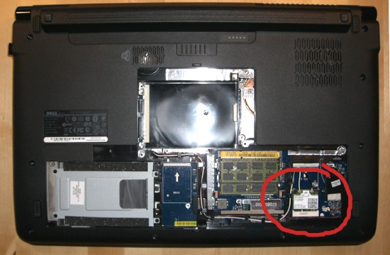 Dell 1747 Laptop Rückseite geöffnet