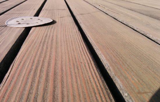 Holzterrasse nach dem Schleifen